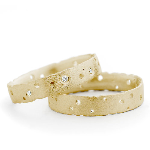 Handmade, bespoke and modern 18ct gold nibbled engagement rings with diamonds or without diamonds by Kate Smith Jewellery, UK