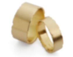 matching wedding ring set in18ct yellow gold by Kate Smith Jewellery. Code W2yW3y