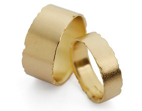 unique matching wedding ring set in18ct yellow gold by Kate Smith Jewellery, handmade in Birmingham