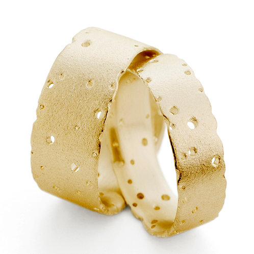 6.5mm and 10mm Wide Patterned 18ct Gold Nibbled Rings by Kate Smith Jewellery. Product code P15y/P5yND