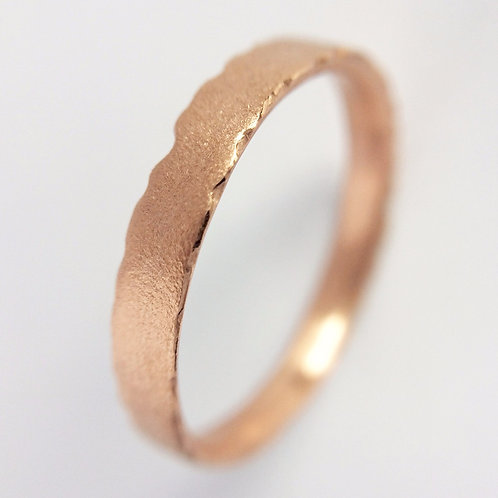 Handmade and unique contemporary rose gold wedding ring by jewellery designer Kate Smith. Made in Birmingham