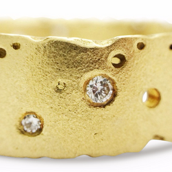 18ct Gold & Diamond Nibbled Ring by Kate Smith Jewellery