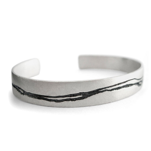 Etched Silver & Oxidised Cuff by Kate Smith Jewellery, Jewellery Quarter Birmingham.