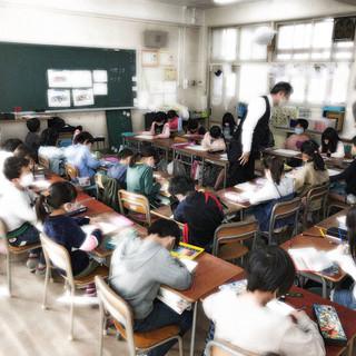 港区桜小学校デザイン教室.jpg