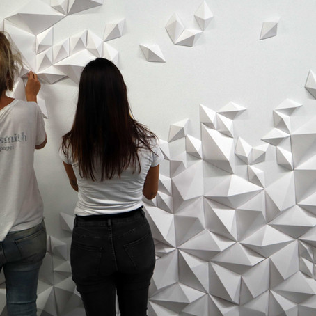 Pared de diamantes de papel