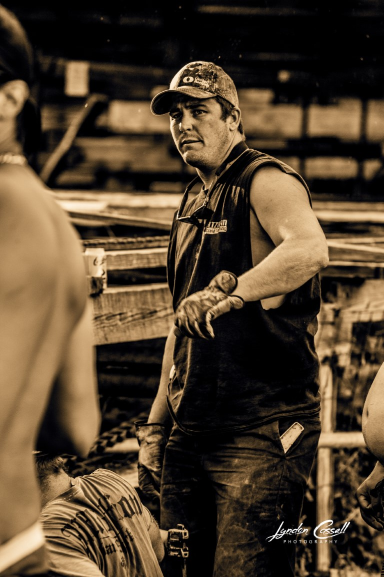 lcp-CANDIDS-5AcreWorkerBee-July28-2017-3