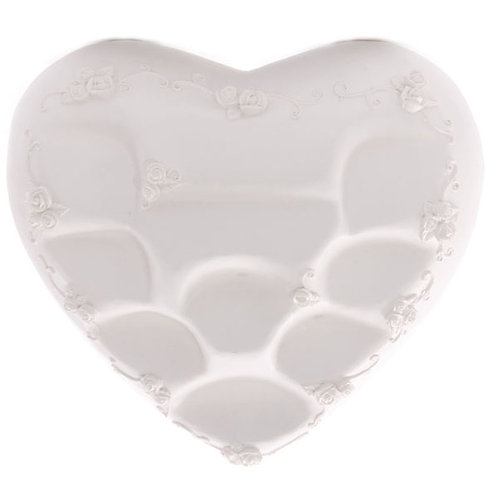 Cute Novelty White Heart Shaped Tiered Display Stand Novelty Gift