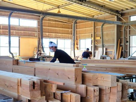 9月の建て方に向けて、現在 加工中!/しずおか優良木材の家