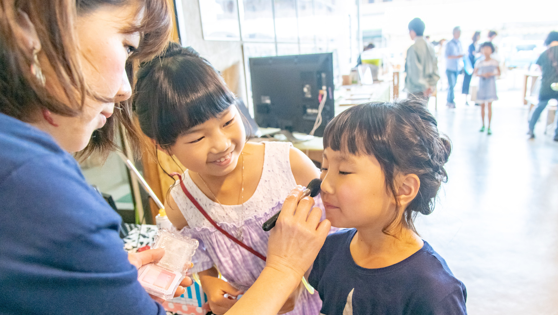お化粧コーナーで子供も嬉しそう!