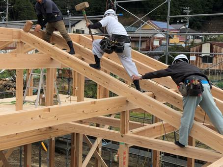 自社大工による「木の家」建て方作業 /島田市地内にて
