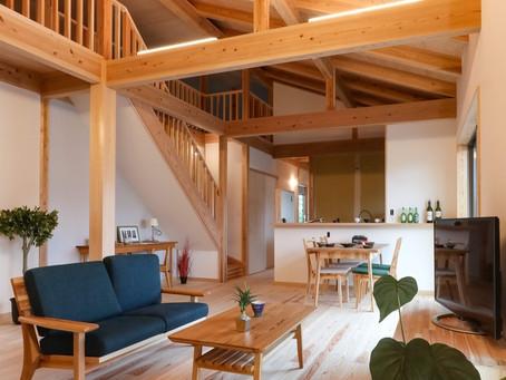 自然素材に包まれた、 スローな時間の流れる 平家の住まい。/「木の家」完成見学会in藤枝