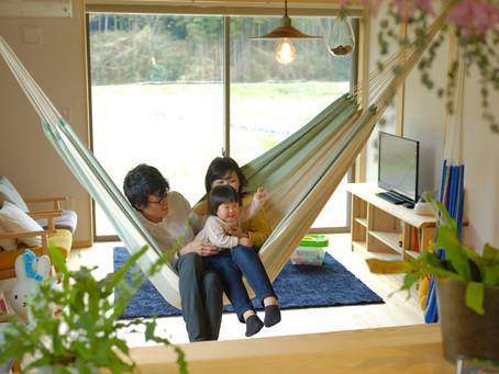 お施主様(Ft邸)インタビュー 【木の経年美とともに家族がナチュラルに暮らせる家】二世帯の住まい