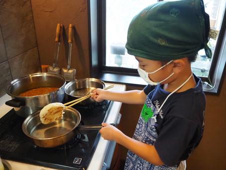 「フライパンで作るナンと、みんなで作る夏野菜カレー」レポート