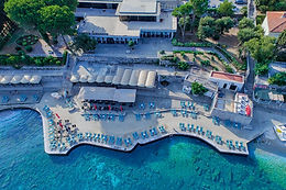 All rooms are with stunning sea view overlooking the Elaphite Archipelago or a park view overlooking indigenous Mediterranean vegetation. All rooms are designed to provide a comfortable and practical stay.
