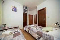 GuestHouseMatanaPomena_room (6).jpg