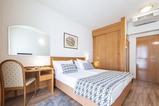 splendid-hotel-double-room-dubrovnik-roo