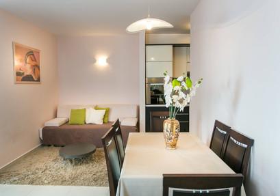 Apartments Carmelitta (1).jpg