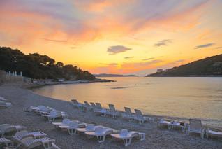 vis-hotel-beach-sunset-pebble-beach.jpg