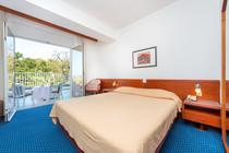 komodor-hotel-double-room-balcony-parkvi