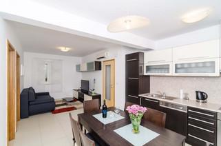 Apartments Carmelitta 2BED (8).jpg