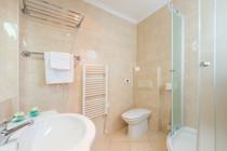 vis-hotel-bathroom-shower.jpg