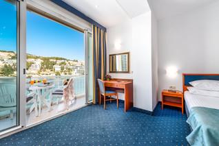 vis-hotel-dubrovnik-sea-view-balcony-roo