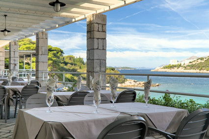 vis-hotel-view-from-restaurant-lapad-bay