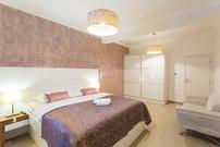 BoutiquePineTree_onebedroom (29).jpg