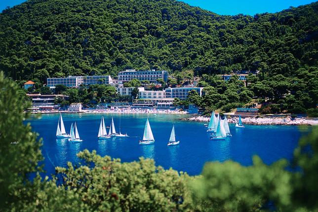 maestral-hotels-lapad-bay-beach.jpg