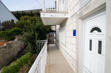 Apartments Carmelitta Ane1 (5).jpg
