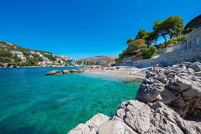splendid-beach-pebble-sea.jpg