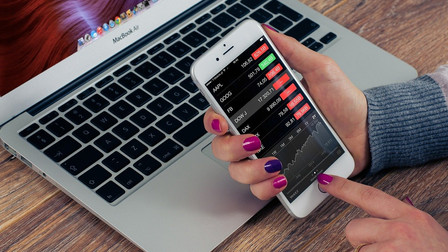 Trading signals for stocks, forex & indices - Like an Expert