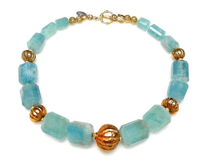 Fashionable Aquamarine & Gold Necklace