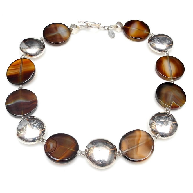 Easy-To-Wear Necklace of Silver Discs & Brown Agate
