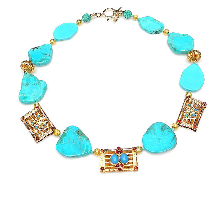 Flattering Turquoise Necklace with Antique Gold Panels