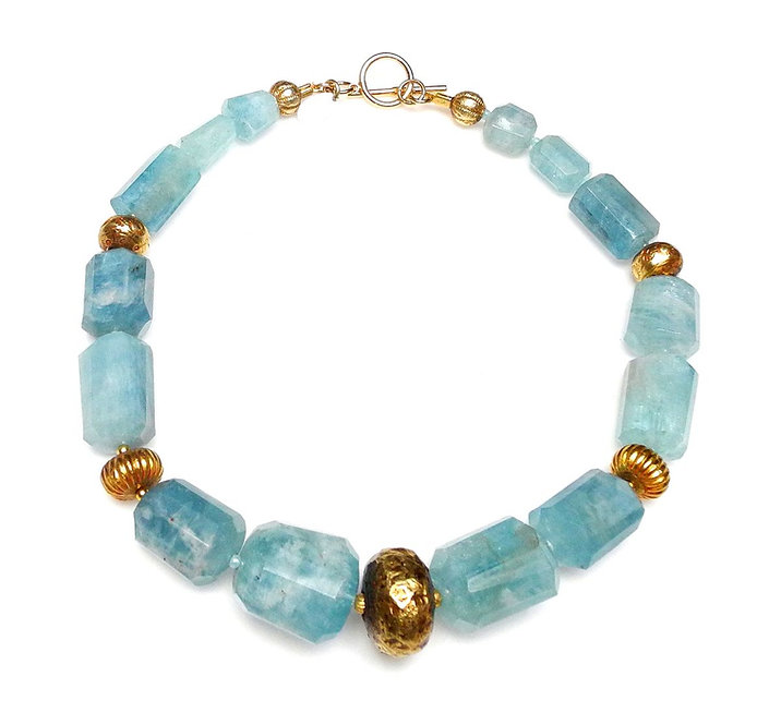 Mouth Watering Aquamarine & Gold Necklace