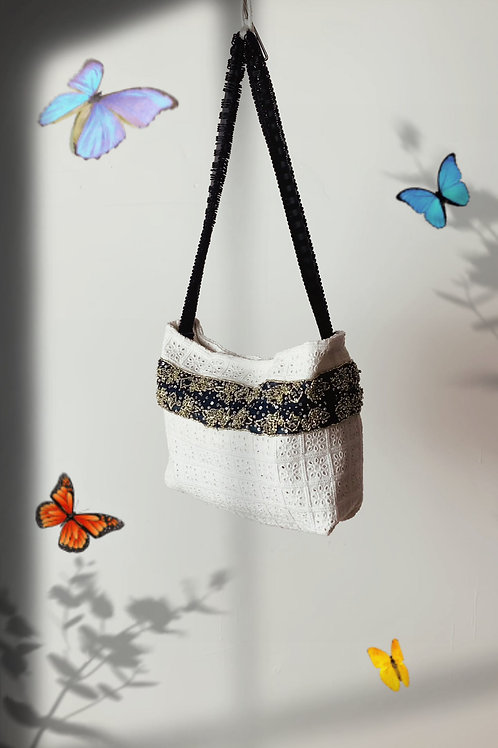 Lace Hand Embroidery Shoulder Bag