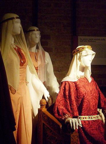 2010, costumi x Legnano.jpg