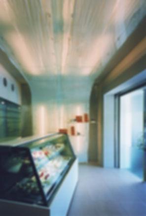パティシエ TAKEMI 改装 リフォーム ケーキ屋 店舗 1階 RC コンクリート造 京都府 亀岡市 店内 シンプル
