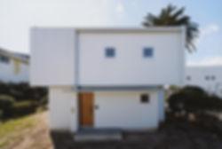 石垣の家 新築 住宅 2階建 木造 大分県 別府市 シンプル モダン 外観 白い壁 明るい印象 かっこいい ナチュラル