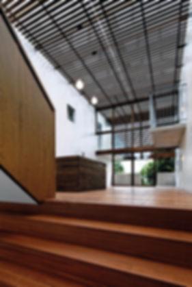 Domus Ishigaki 新築 共同住宅 アパート 2階建 RC コンクリート造 木造 大分県 別府市 シンプル モダン デッキ キッチン ホール シェア