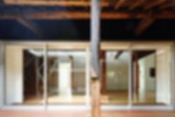 音羽の家 改装 建築家 リフォーム リノベーション 木造 住宅 2階建て 関西 滋賀県 蒲生郡 和モダン シンプル 古民家 倉庫 再生 2世帯住宅 シンプル 和モダン デッキ 広い コートハウス 中庭