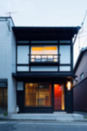 紫野の家 改装 リノベーション リフォーム 住宅 町家 2階建 木造 京都府 京都市 シンプル 和モダン 外観 格子 耐震補強