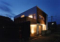 八木の家 新築 住宅 2階建 木造 京都府 船井郡 シンプル 和モダン 外観 夜景
