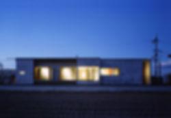 EShouse-01 新築 住宅 平屋建て RC コンクリート造 木造 鉄骨造 奈良県 磯城郡 シンプル モダン 外観 夜景