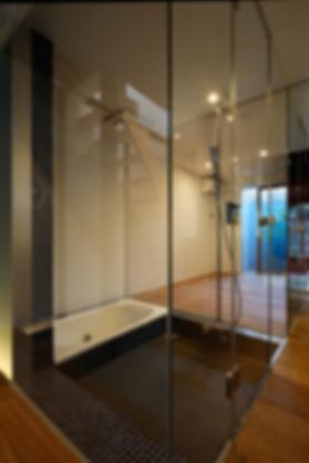 紫野の家 改装 リノベーション リフォーム 住宅 町家 2階建 木造 京都府 京都市 シンプル 和モダン 浴室 風呂 ガラス張り