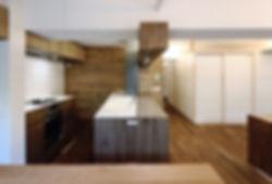 深江の家 改装 リノベーション リフォーム 住宅 マンション 1階 RC コンクリート造 兵庫県 神戸市 シンプル ナチュラル モダン キッチン 造作 オーダー 関西  自然素材 珪藻土 おしゃれな 広いカウンターキッチン 収納たっぷり