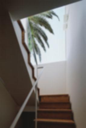 石垣の家 新築 住宅 2階建 木造 大分県 別府市 シンプル モダン 階段 ナチュラル 明るく開放的な 明るい