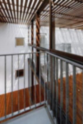 Domus Ishigaki 新築 集合住宅 アパート 2階建 RC コンクリート造 木造 大分県 別府市 シンプル モダン デッキ バルコニー デザイナーズ