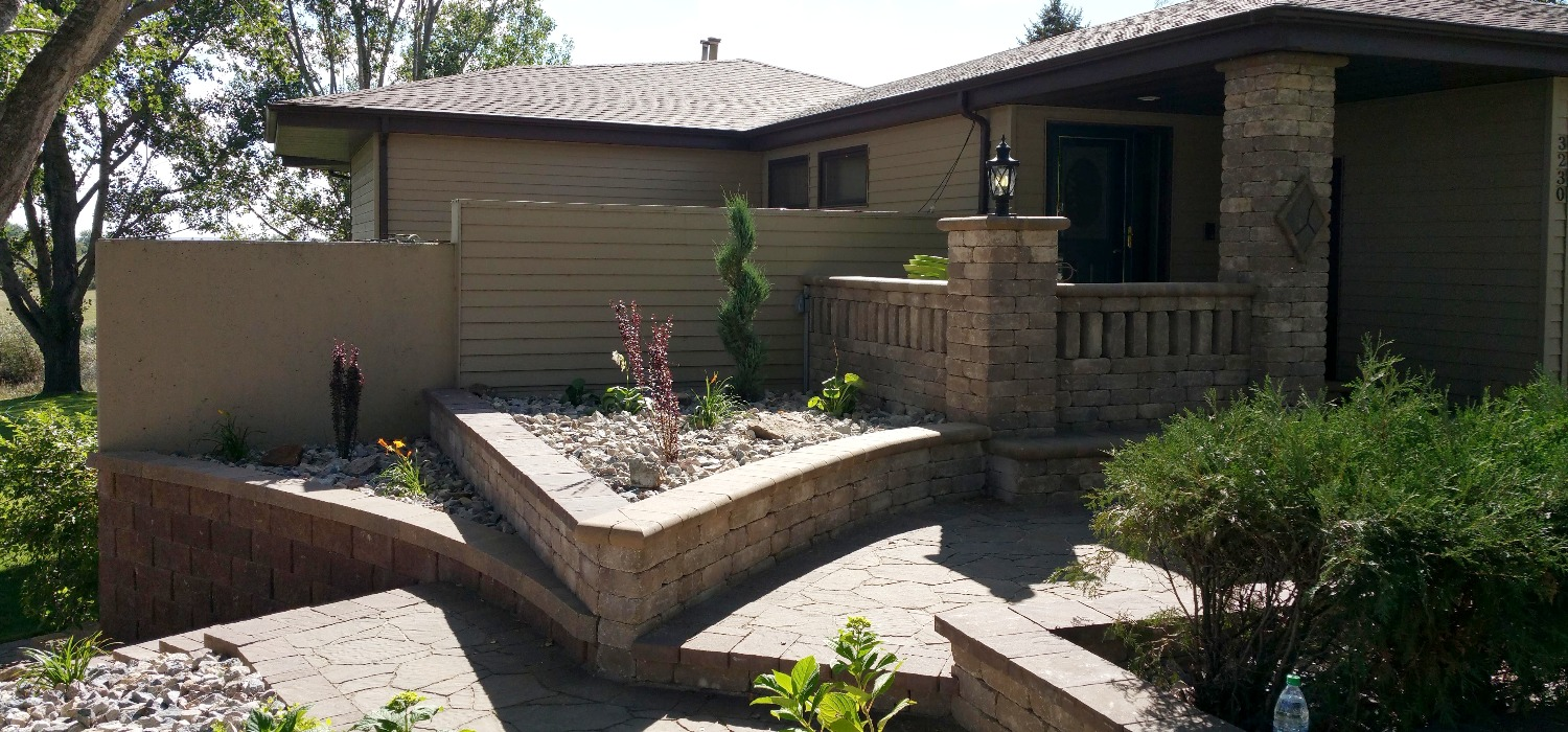 Paver deck and flowerbeds